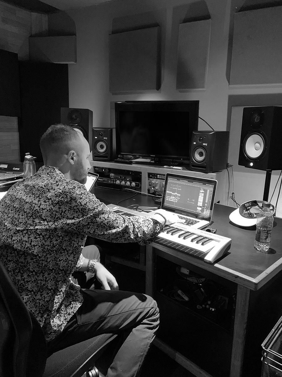 Dan Searl Mastering in the Studio